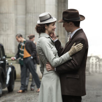 Claire and Frank in the 1940s - Outlander