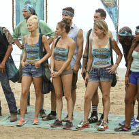 18 contestants arrive survivor