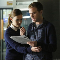 Fitz and simmons plan on agents of shield season 2 episode 2