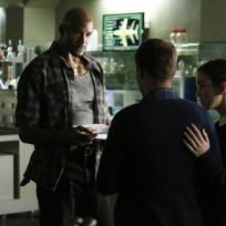 Mack Meets with Fitz on Agents of S.H.I.E.L.D. Season 2 Episode 2