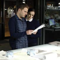 Fitz Talks to Simmons on Agents of S.H.I.E.L.D. Season 2 Episode 2