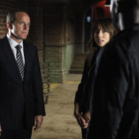 Coulson Meets with Skye and Triplett on Agents of S.H.I.E.L.D. Season 2 Episode 2