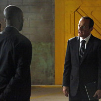 Coulson Discussing an Op with Skye and Triplett on Agents of S.H.I.E.L.D. Season 2 Episode 2