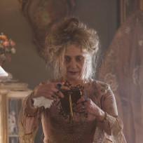Carol Kane as Gertrud Kapelput - Gotham Season 1 Episode 2