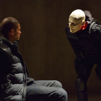 Quinlan questions gus the strain s1e13