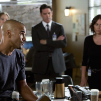 The criminal minds team s10e1