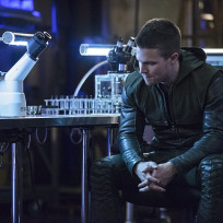 Worrying - Arrow Season 3 Episode 2