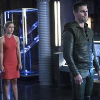 What a Dress! - Arrow Season 3 Episode 2