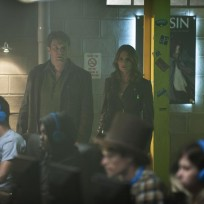 What Are They Listening To - Castle Season 7 Episode 3