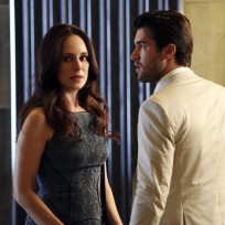 Scheming Mother and Son - Revenge Season 4 Episode 3