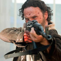 Rick takes aim the walking dead s5e1
