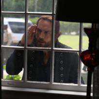 Ichabod Searching for Clues - Sleepy Hollow Season 2 Episode 4