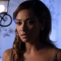 Emily Looks Worried - Pretty Little Liars Season 5 Episode 13