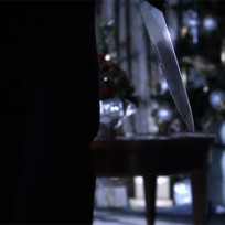 A slicing christmas pretty little liars s5e13