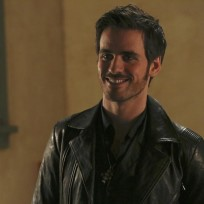Hook Looks Pleased - Once Upon a Time Season 4 Episode 4