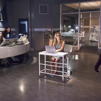 Felicity's Station - The Flash Season 1 Episode 4