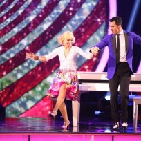 Betsey johnson and tony dovolani dance the jive dancing with the