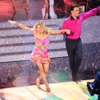 Jonathan Bennett and Allison Holker Dance the Samba - Dancing With the Stars Season 19 Episode 6