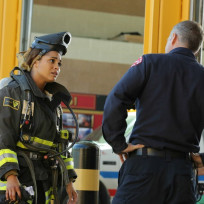 Herrmann puts dawson through the paces chicago fire s3e6