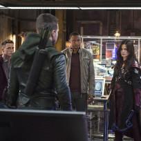 Nyssa Faces Team Arrow Season 3 Episode 4