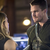 Talking to Laurel - Arrow Season 3 Episode 4