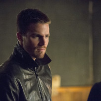 Glaring - Arrow Season 3 Episode 4