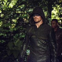 Heading Out - Arrow Season 3 Episode 4