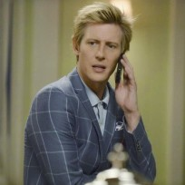 Nolan on the Phone - Revenge Season 4 Episode 6
