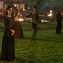 Mary at Night - Reign Season 2 Episode 7
