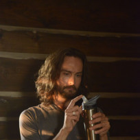 Ichabod tries Yoga - Sleepy Hollow Season 2 Episode 6