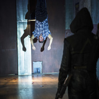 Strung Up - Arrow Season 3 Episode 6