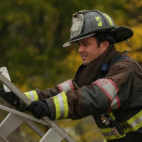 Severide prepares to climb the ladder - Chicago Fire Season 3 Episode 8