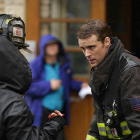 Casey discusses the rescue - Chicago Fire Season 3 Episode 8