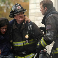 Mouch carries a victim - Chicago Fire Season 3 Episode 8