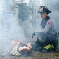 Casey tends to a victim - Chicago Fire Season 3 Episode 8