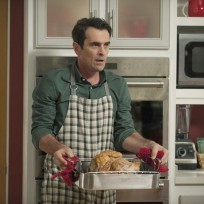 Phils thanksgiving dinner modern family