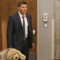 Booth arrives to visit daisy in the hospital bones s10e8