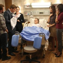 Hodgins booth brennan angela and cam celebrate the birth of dais