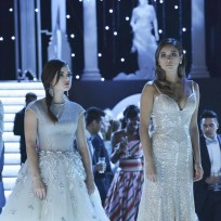 Aria and Emily - Pretty Little Liars Season 5 Episode 13