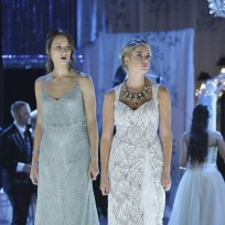 Spencer and Hanna - Pretty Little Liars Season 5 Episode 13