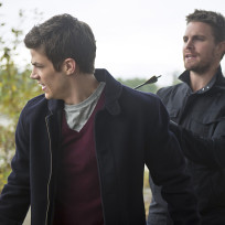 Shot in the Back - The Flash Season 1 Episode 8