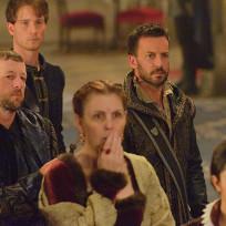 Looking On - Reign Season 2 Episode 9