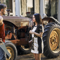 Nice Tractor - Hart of Dixie Season 4 Episode 1