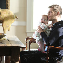 Klaus and hope the originals s2e9