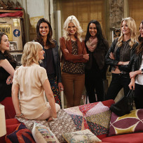 Super models 2 broke girls