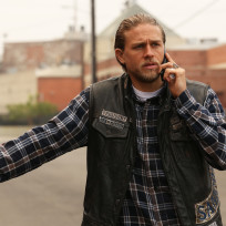 Jax on the phone sons of anarchy s7e12