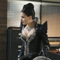 "Once Upon a Time Photos ""Shattered Sight"""