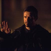 Hands Up - Arrow Season 3 Episode 9