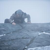 Climbing - Arrow Season 3 Episode 9