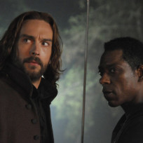 Crane and captain irving battle war sleepy hollow s2e11